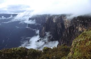 Vertikálna Amazónia I. - okraje stolovej hory